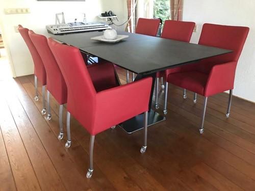 Set van 6 leren eetkamerstoelen met wieltjes en armleuning - rood leer