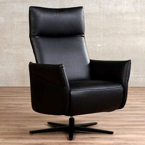 Leren relaxfauteuil Ease - Massif Leer Nero - Meduim - Stervoet mat zwart met geintergeerd voetenbank