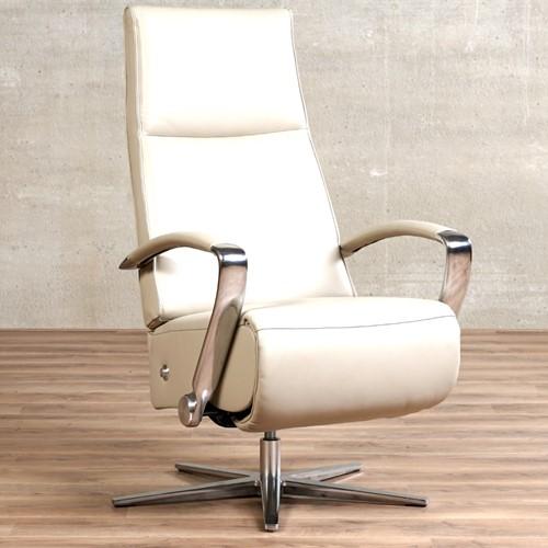 Leren relaxfauteuil Idol - Massif Leer Dove - Medium - Frame chroom - Stervoet chroom met geintergeerd voetenbank