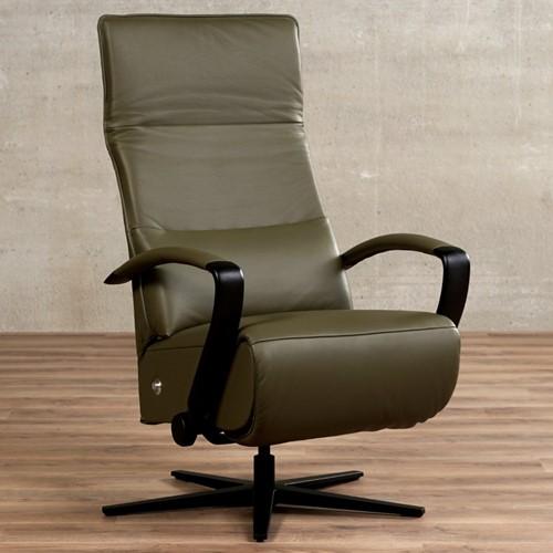 Leren relaxfauteuil Matrix - Massif Leer Olive - Medium - Frame mat zwart - Stervoet mat zwart met geintergeerd voetenbank
