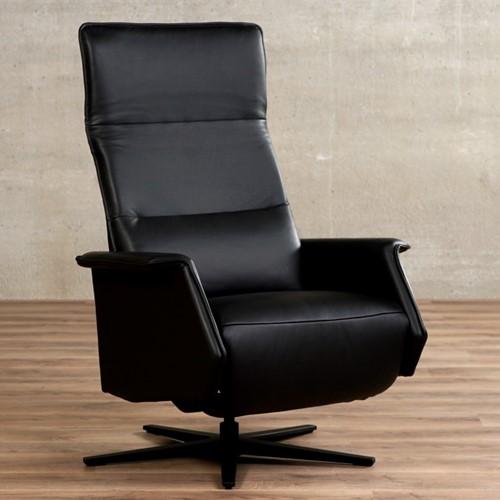 Leren relaxfauteuil Mojo - Massif Leer Nero - Large - Stervoet mat zwart met geintergeerd voetenbank
