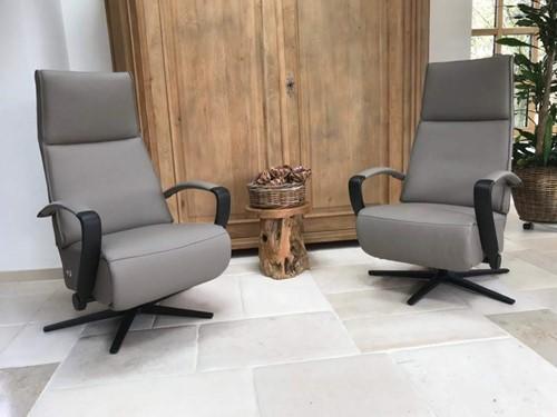Set van 2 leren relaxfauteuils met stalen frame - bruin leer