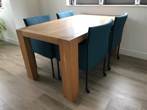 Set van 4 leren kuip eetkamerstoelen - met wieltjes - blauw leer